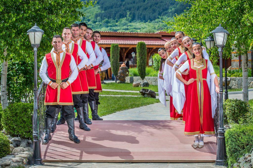 Етнографски комплекс до Павел Баня